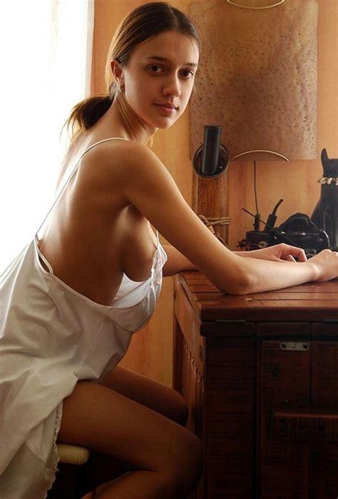 hot side boob jpg 610x900